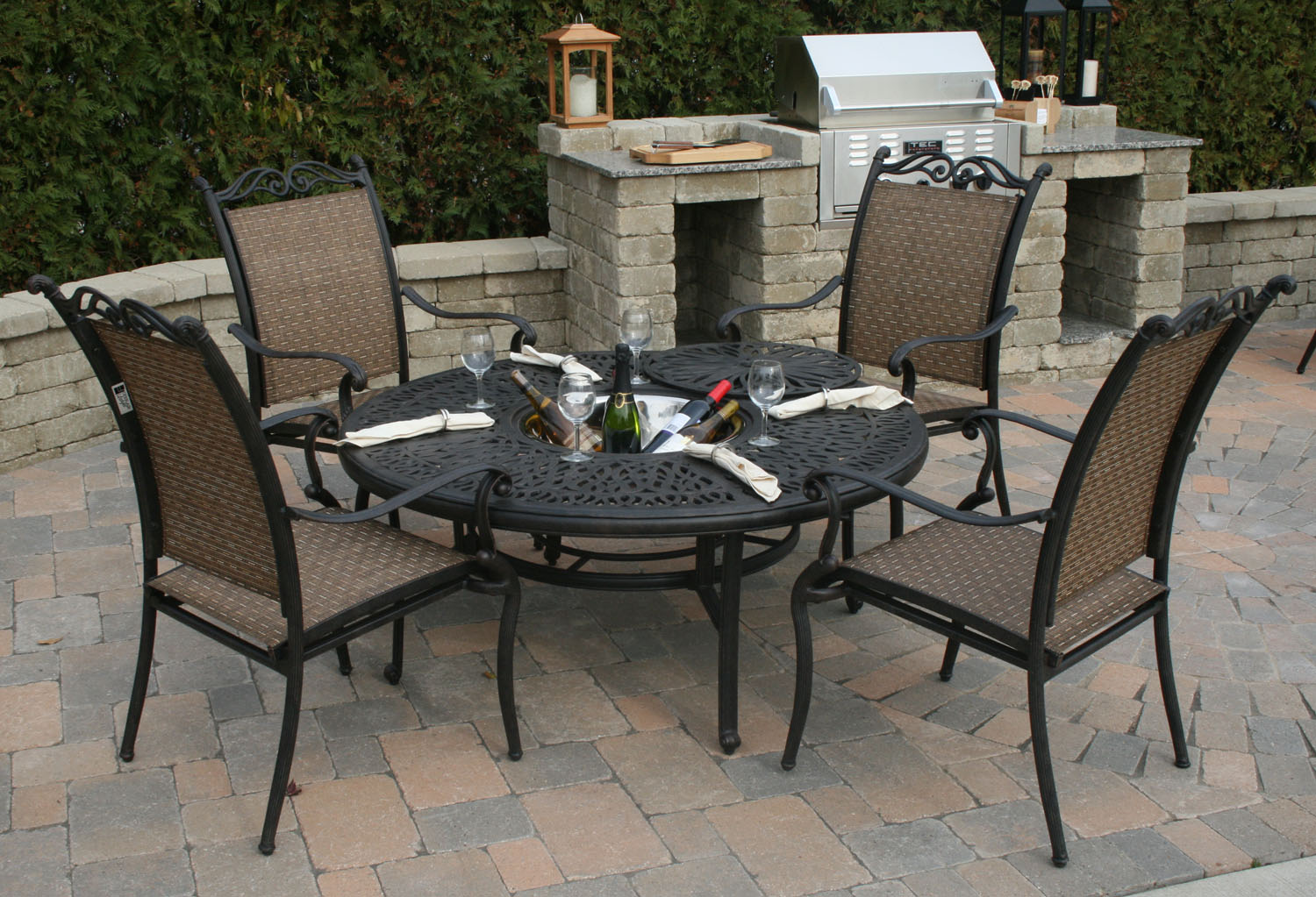 Follow these tips to choose the best patio furniture